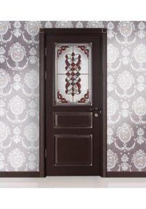 Крашеные двери с витржом