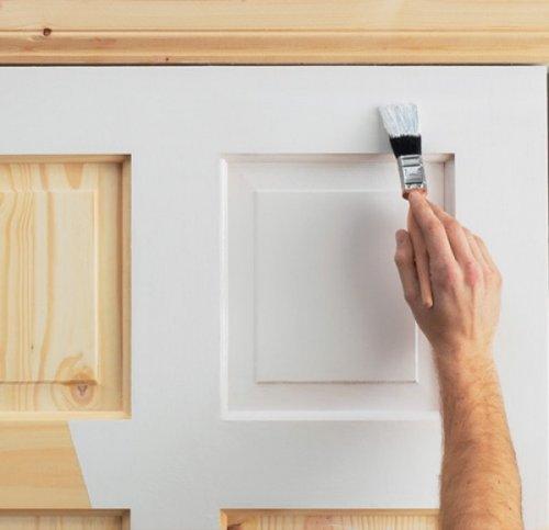 покраска двери в белый цвет