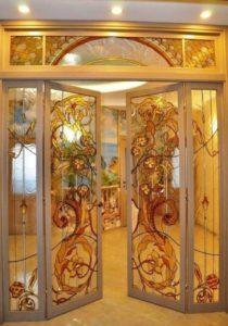 Витражные двери с освещением