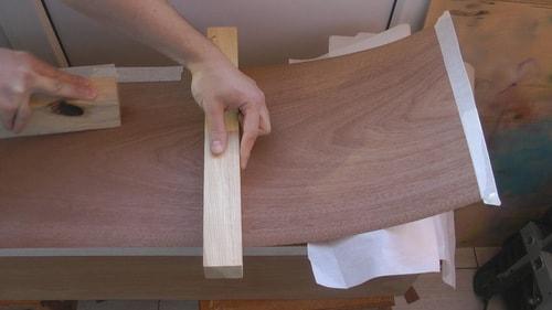 реставрация деревянной двери шпоном